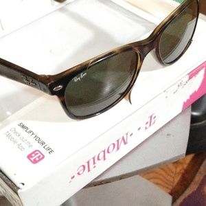 Rayban Wayfarer RB2132 902 55/18 Vintage Sunglasse